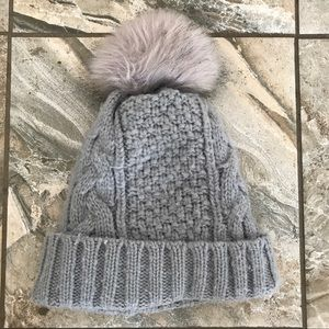 Accessories - Cozy knit Pom Pom hat